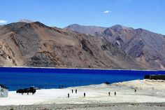 Serene hills, gushing streams, lush scenery- the perfect ingredients for a romantic honeymoon. We give you 5 hill station honeymoon options here. Leh Ladakh, Ladakh India, Visit Tour, Travel Forums, Amazing India, Paradise On Earth, Hill Station, Luxury Holidays, Vacation Trips