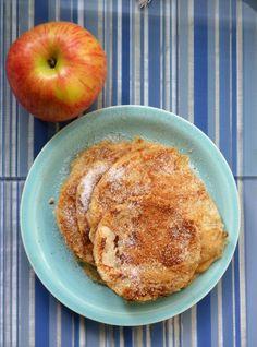 Μηλοτηγανίτες - Sweetly What's For Breakfast, What To Cook, Kids Meals, French Toast, Pancakes, Food And Drink, Sweets, Apple, Snacks