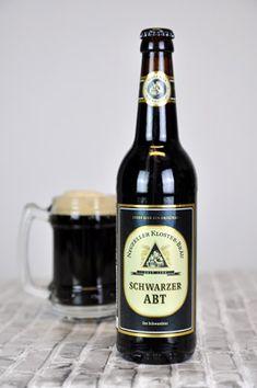 425 Jahre Brauerei-Erfahrung, die man in jedem Schluck schmecken kann – der berühmte schwarze Abt, veredelt mit einem Quäntchen Zucker.