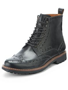Clarks Montacute Lord Mens Brogue Boots