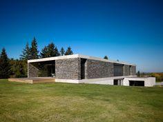 Diseño de Interiores & Arquitectura: Villa de Dos Pisos con Diseño Ultra-Elegante