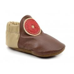 Brown and Red Baby Moccasin Booties - soft earthy shoes for kids here! Barefoot Running Shoes, Minimalist Baby, Leather Baby Shoes, Baby Moccasins, Camille, Baby Booties, Kid Shoes, Soft Leather, Slippers