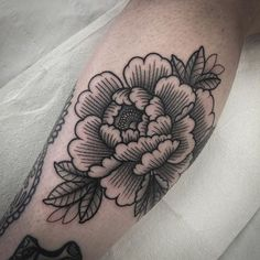 Thankyou @louisayeah for getting a peony on your leg. It was an honour to add to your collection!  markjelliman@gmail.com for bookings #tattoo #tattoos #blackclaw #silverbackink #blackwork #blackworkers #btattooing #blacktattooart #peony #flowers #blackworkerssubmission #txttooing #dotwork #dotworktattoo #tttism #darkartists @where_they_tatt | Artist: @marktattooist