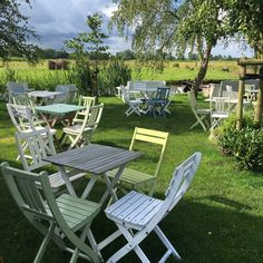Outdoor Cafe, Outdoor Decor, Tea Cafe, High Tea, Holland, Outdoor Furniture Sets, Places To Go, Camping, Holiday