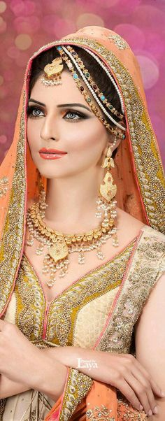 Indian Bridal Jewelry: Necklace and Earrings Set. Indian Bridal Wear, Asian Bridal, Pakistani Bridal, Bride Indian, Indian Makeup, Indian Beauty, Indian Dresses, Indian Outfits, Moda Indiana