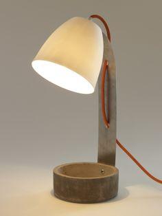 Tafellamp op betonnen potje