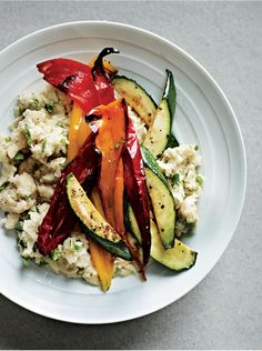 Roasted peppers with white bean mash recipe from The Medicinal Chef by Dale Pinnock Dale Pinnock, Healthy Options, Healthy Recipes, Mash Recipe, Vegetarian Entrees, Healthy Comfort Food, Roasted Peppers, White Beans, Roasted Vegetables