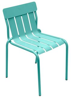 matali crasset's brightly colored stripe chair for fermob contains a playful curved form