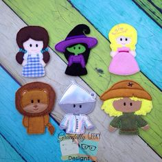 Hey, I found this really awesome Etsy listing at https://www.etsy.com/listing/190495667/wizard-of-oz-finger-puppet-set