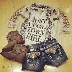Miss me shorts and top<3