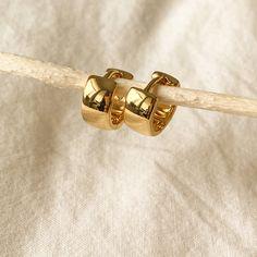 Ear Jewelry, Photo Jewelry, Jewelry Accessories, Jewelry Design, Fashion Jewelry, Jewelery, Cream Aesthetic, Classy Aesthetic, Gold Jewelry Simple