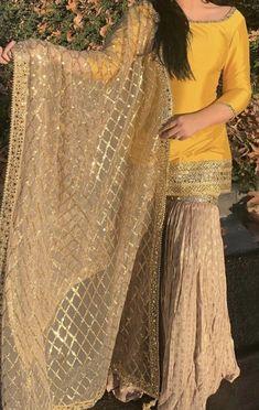 Asian Wedding Dress Pakistani, Desi Wedding Dresses, Pakistani Dresses Online, Pakistani Fashion Casual, Pakistani Dresses Casual, Indian Bridal Fashion, Indian Bridal Wear, Pakistani Dress Design, Stylish Dress Designs
