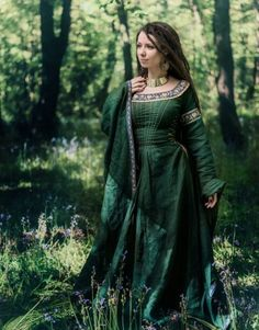 Photography by Carmen Clark, forest maiden, fantasy, medieval Medieval Gown, Medieval Costume, Medieval Fantasy, Renaissance Gown, Medieval Fashion, Medieval Clothing, Gypsy Clothing, Steampunk Clothing, Steampunk Fashion