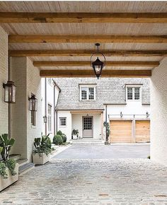 Y'all know how I love a porte cochere... Leave it to @scoutandnimble to show me something that has to be a screenshot. || architect: @peterblock || designer:  @bethwebb