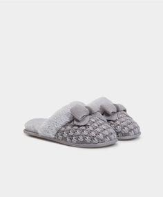 Sabot soft fiocco tricot - Scarpe - Tendenze moda donna AW 2016 su Oysho on-line : biancheria intima, lingerie, abbigliamento sportivo, scarpe, accessori e costumi da bagno. Spedizione gratuita a partire da 40 EUR e resi gratuiti.