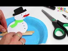 Afbeeldingsresultaat voor bricolage ours polaire Winter Crafts For Toddlers, Paper Crafts For Kids, Winter Activities, Toddler Crafts, Theme Sport, German Style, Plastic Plates, Home Decor Paintings, Winter Art