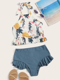 To find out about the Random Leaf Print Ruffle Hem Halter Bikini Set at SHEIN, part of our latest Bikini Sets ready to shop online today! Bathing Suits For Teens, Summer Bathing Suits, Cute Bathing Suits, Summer Suits, Cute Swimsuits, Women Swimsuits, Bikini Halter, Bikini Swimwear, Bikini Sets