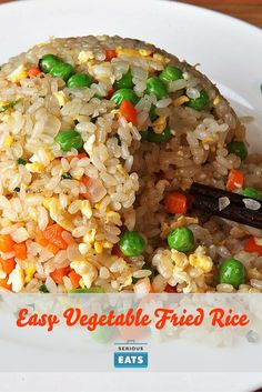Great fried rice should have individual grains that just barely clump together when picked up with chopsticks or a spoon. Great fried rice should have individual grains that just barely clump together when picked up with chopsticks or a spoon. Mix Vegetable Recipe, Vegetable Fried Rice, Fried Vegetables, Rice With Vegetables, Frozen Mixed Vegetable Recipes, Veggies, Easy Rice Recipes, Asian Recipes, Chinese Recipes