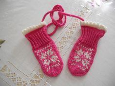 Ravelry: joann19's Little Winter Star Mittens