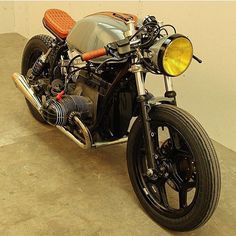 Another shot of @arjanvandenboom's latest BMW #caferacer. A gentleman's rocket.