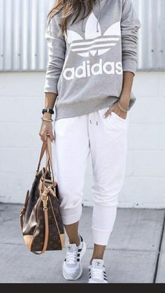 Athleisure Outfits, Sporty Outfits, Stylish Outfits, Winter Outfits, Cute Outfits, Fashion Outfits, Womens Fashion, Everyday Casual Outfits, Mode Cool