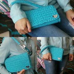 """Pochette """"Tiffany"""" handmade, in cordino italiano con fodera interna in raso blu"""