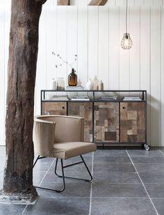Industrieel dressoir Bezons gemaakt van oud hout, leverbaar in diverse maten direct uit voorraad. Bezoek onze showrooms in Hardinxveld en Utrecht
