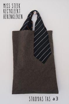 shopper met stropdas & overhemd