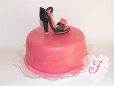 Heel pink cake!