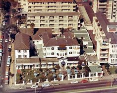 Aerial view of the Elizabeth Hotel, Sea Point, Cape Town South Africa, Beach Road, Out Of Africa, Kruger National Park, Beer Garden, Historical Pictures, African History, Aerial View, Old Pictures