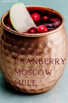 Apple Cranberry Moscow Mule is an easy cocktail to put together for you next hol. Apple Cranberry Moscow Mule is an easy cocktail to put together for you next hol… – Holiday mul Vodka Cran, Apple Vodka, Cranberry Vodka, New Years Cocktails, Easy Cocktails, Holiday Cocktails, Cocktail Recipes, Moscow Mule, Low Alcohol Drinks