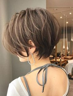 short hair for round face asian layered haircuts Short Hair With Layers, Short Hair Cuts For Women, Back Of Short Hair, Short Short Hair, Short Bobs, Layered Haircuts, Short Bob Hairstyles, Short Trendy Haircuts, Asian Haircut Short