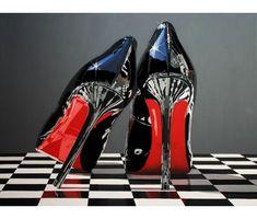 El calzado ha sido inmortalizado por fotógrafos, pintores y escultores que han empleado sus habilidades para convertirlo en pieza artística.