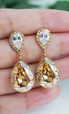 Swooning over these tear drop earrings