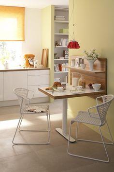 5 вариантов размещения стола и стульев на маленькой кухне