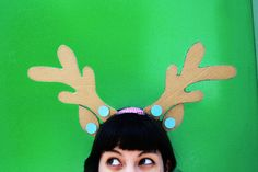Makedo is a simple to use, open-ended system of tools for creative cardboard construction. Build imaginative and useful creations from upcycled cardboard. Reindeer Ears, Reindeer Headband, Christmas Holidays, Christmas Crafts, White Construction Paper, Diy Cardboard, Reno, Diy Party, Party Ideas