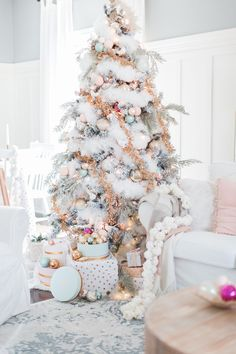 Amazing Winter White Christmas Decor Ideas - White Christmas style may work for those of you who have been taking a gander at Christmas arrangements as a task as of late and might want to leave f. Pink Christmas Tree Decorations, Elegant Christmas Trees, Christmas Arrangements, Gold Christmas Tree, Beautiful Christmas, Christmas Home, Vintage Christmas, Christmas Mantles, Christmas Villages