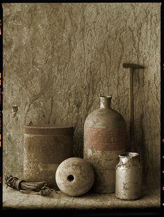 NATURE MORTE AU PETIT MARTEAU by Flickr user Boccacino