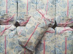 Dessert Packaging, Food Packaging Design, Paper Packaging, Pretty Packaging, Packaging Design Inspiration, Candy Packaging, Graphic Design Branding, Ad Design, Bakery Branding
