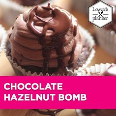 2016 will be a great Low Carb year! This time we will start with something great. I call it The Chocolate Caramel Hazelnut Bomb. Toasted nuts combined with a delicious sugar free chocolate cream sealed with cracking chocolate coating! Low Carb Sweets, Low Carb Desserts, Sweet Desserts, Low Carb Granola, Low Carb Cocktails, Sugar Free Chocolate, Chocolate Hazelnut, Chocolate Cream, Sugar Free Cupcakes