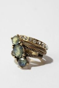 "Urban Outfitters ""Mixed Stones Stackable Rings"" with antiqued metal and white & pale green rhinestones I Love Jewelry, Jewelry Box, Jewelry Rings, Jewelry Accessories, Fashion Accessories, Jewelry Design, Fashion Jewelry, Jewlery, Fashion Hair"