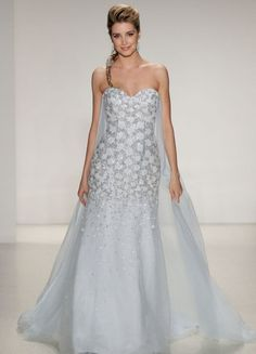 These gorgeous wedding gowns will make you feel like a princess during your big day!