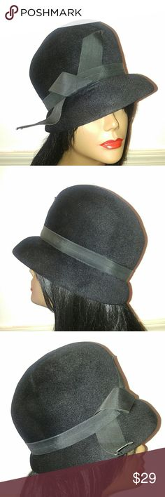 """Beautiful Very Black Velour Vintage Hat Beautiful Black Velour Vintage Hat. Very Black Soft Velour. Clean inside and out. Adorable! Union Genuine Velour Label. Size: 21"""" Head Vintage Accessories Hats"""