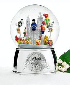 2011 Macy's Thanksgiving Day parade snowglobe!