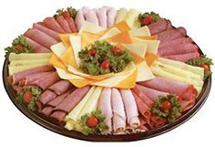 meat and cheese platter - quick and easy. get to the store buy a variety of cold meat n cheese, roll it up. Meat Cheese Platters, Meat Trays, Meat Platter, Food Platters, Christmas Meat, Christmas Cheese, Party Trays, Party Snacks, Entree Festive