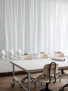 既作為辦公空間,又可以當成辦公室樣板房 宜家在瑞典馬爾默的一棟百年建築的 4 樓設立了創意中心(Creativ …