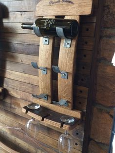 Metal or wood holders... but it's cool either way