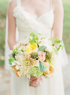 Amazing bouquet by Loda Floral Designs + i love these colors!