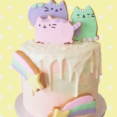 Adorable @pusheen cake by @vickiee_yo #sweettreats #sweets #cake #cakes #cakeart #cakelife #cakedesign #cakemaster #cakedesigner #sugar #sugarart  #edibleart #chic #elegant #kawaii #cats #catsofinstagram #cute #pretty  #foodie  #luxe #luxury #icing #baking #cats #pink #sweetlychicevents #dessert #pusheen #rainbow