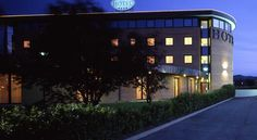 Eurogarden Hotel Bologna Ozzano dell Emilia Located in Ozzano Emilia, Eurogarden Hotel Bologna offers free Wi-Fi in public areas and a varied breakfast buffet. Rooms are elegant and feature a flat-screen TV with satellite channels.
